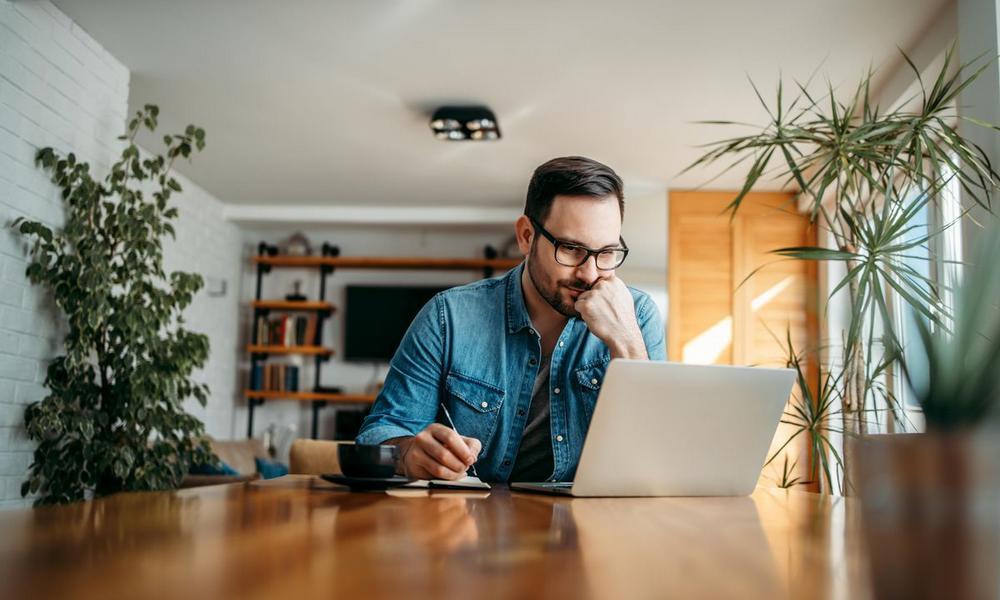 Auto-entrepreneur : déclarer son chiffre d'affaires et payer ses impôts